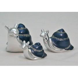 Snails in enamelled metal