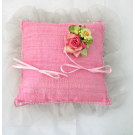 The pillow brings faiths silk cooked with. Pink