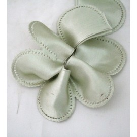 Tape door confetti satin col. sage green