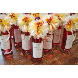 Bottiglia di vino con portaconfetti
