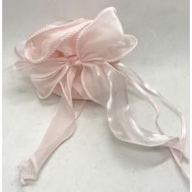 Sacchetto in organza con nastro tirante color rosa